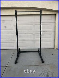 Half Squat Rack 500lbs Weight Capacity Pull-up Bar Plate Holders J-hooks